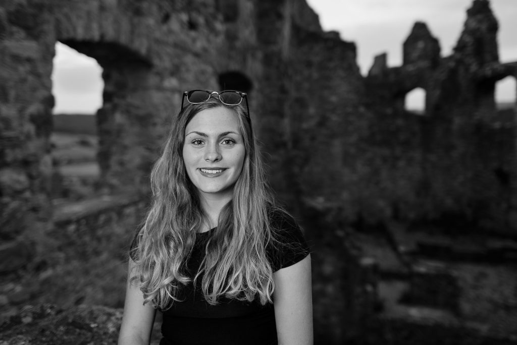 SIGMA 24mm 1.4 ART lens Portrait - #The girl of the Castle-5